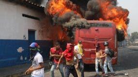 En el fin de semana hubo  una batalla campal por la ayuda humanitaria a Venezuela.