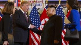 Donald Trump y Kim Jong-un se volverán a reunir hoy, a solas, durante 45 minutos.