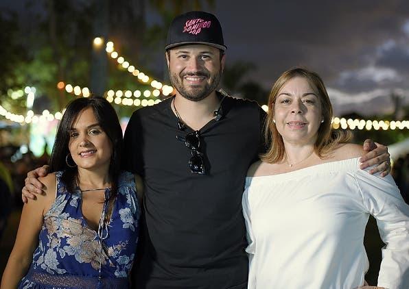 Liza Arzeno, Nono Rodríguez y Tammy Reynoso.