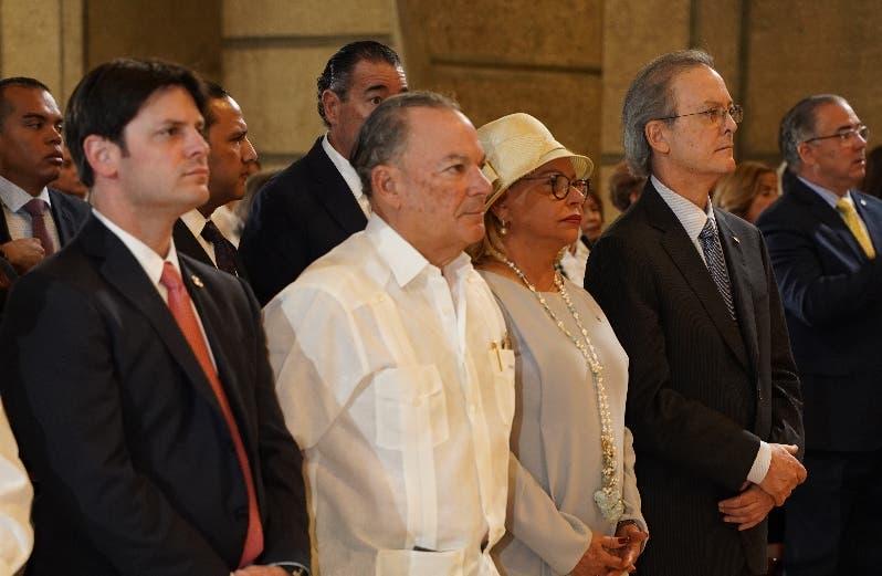 Manuel Alejandro Grullón Hernández, Frank Rainieri, Rosa Hernández de Grullón y Manuel A. Grullón.