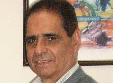 Héctor J. Cruz durante la presentación documental.