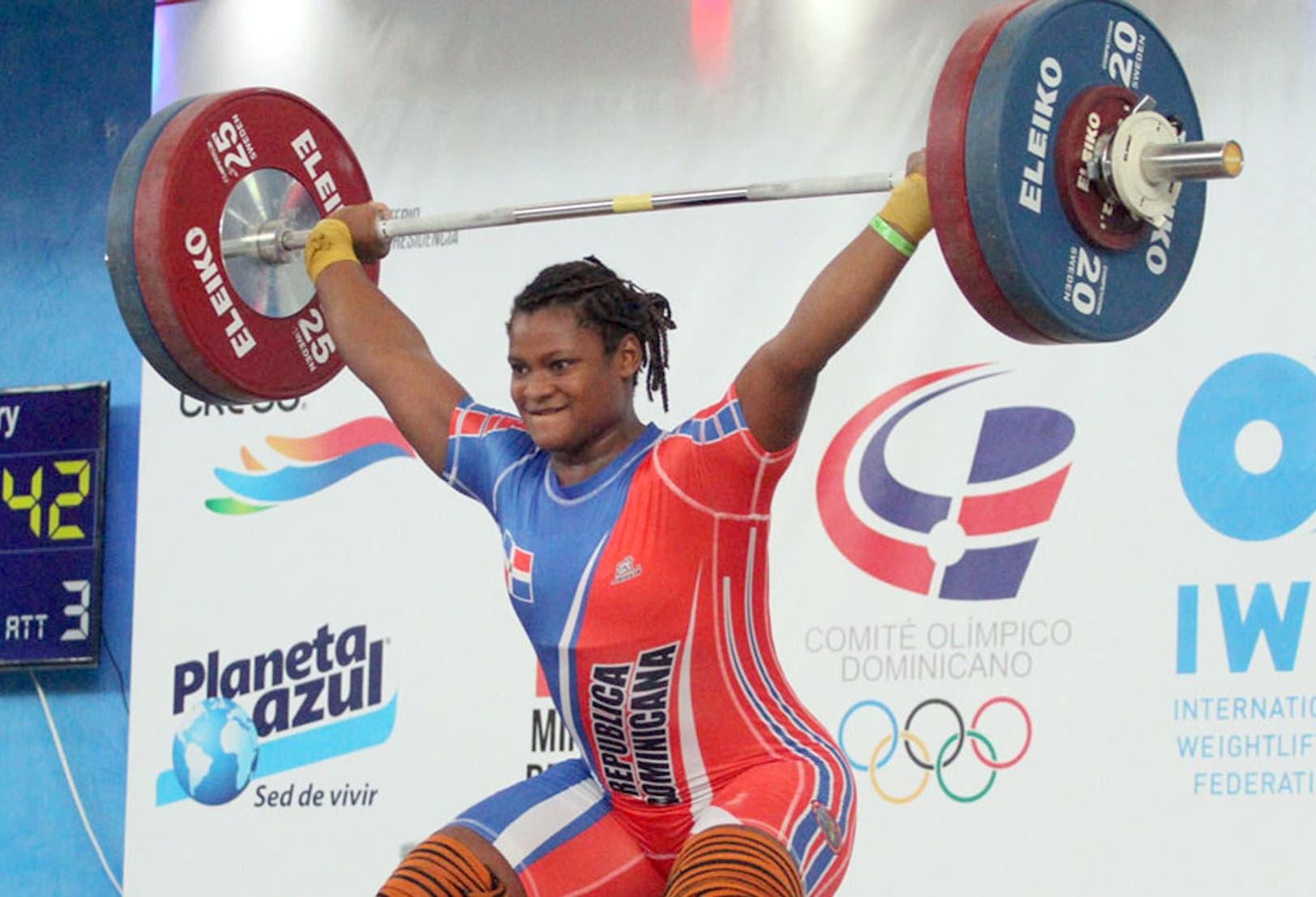 Crismery Santana dice que trabaja sin descanso para liderar el equipo femenino de pesas en Panam de Lima.  AGENCIA FOTO