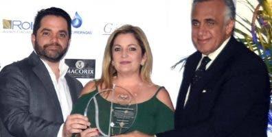 Luisín Mejía, premia.