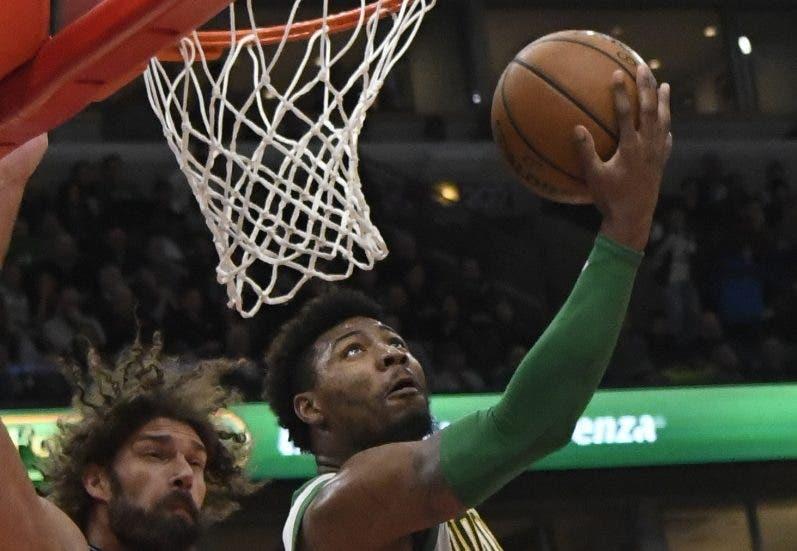 Marcus Smart es pieza importante para los Celtics.  AP