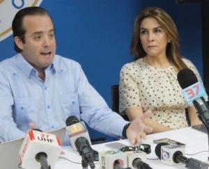 José Ignacio Paliza y  Carolina Mejía, dirigentes    del  PRM.
