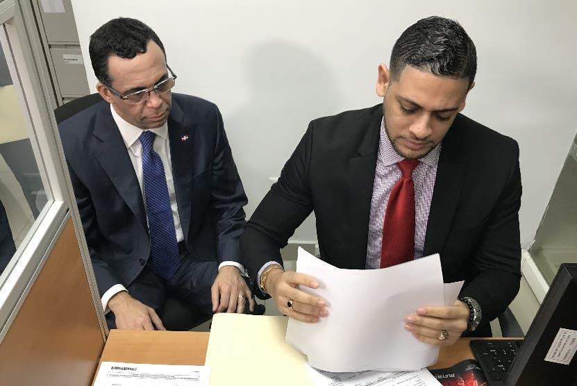 Andrés Navarro  realizó una visita al organismo fiscalizador.