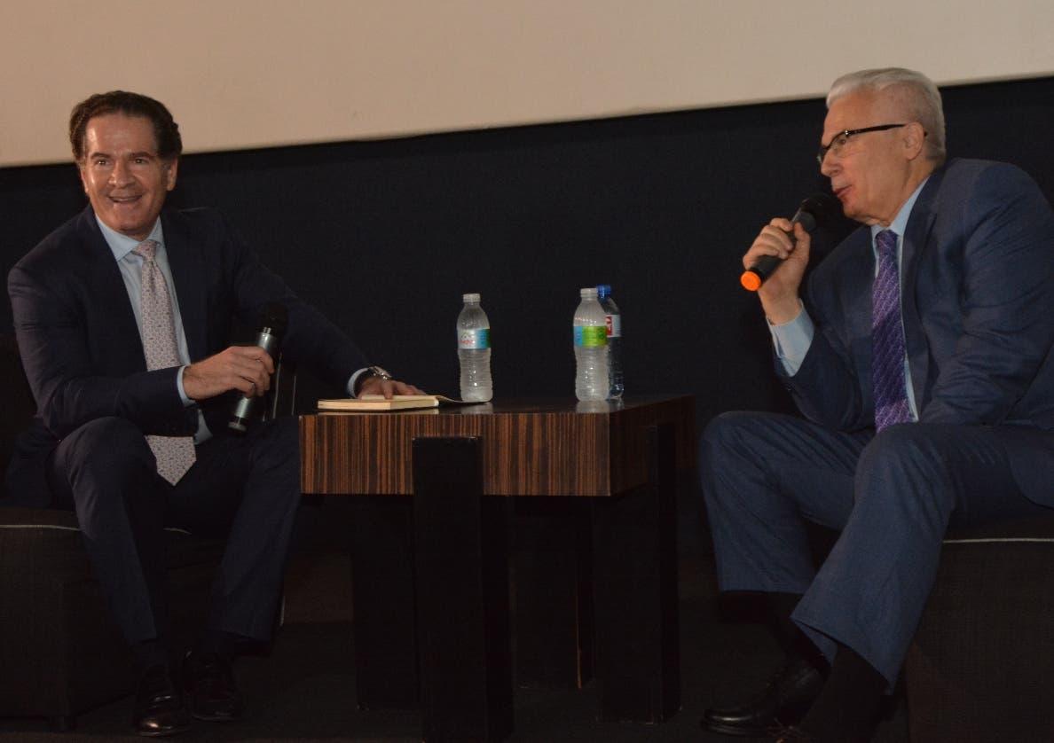 Manuel Corripio y Baltasar Garzón en la presentación de un documental.