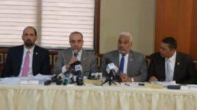 La reunión de la comisión duró todo el día y contó con la participación del presidente de la Cámara Baja, Radhamés Camacho.