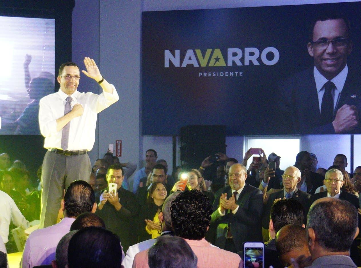 Andrés Navarro agradeció al presidente Danilo Medina por la confianza en él.  Elieser Tapia