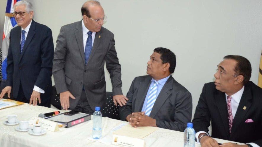 El Pleno   convocó  a los técnicos para el martes.  José  de León