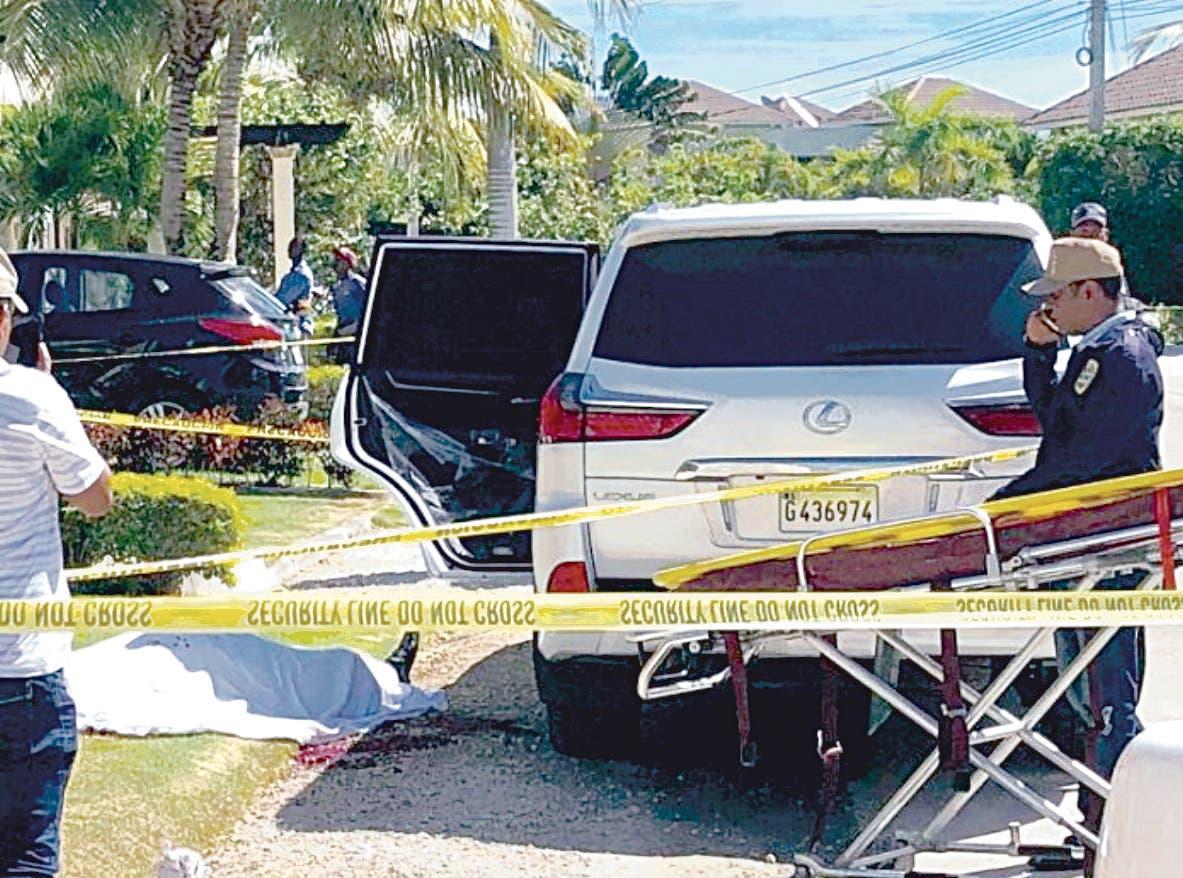 Un venezolano fue ultimado en su jeepeta en Punta Cana.