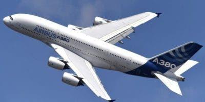 El Airbus A380 es el avión de pasajeros más grande del mundo.