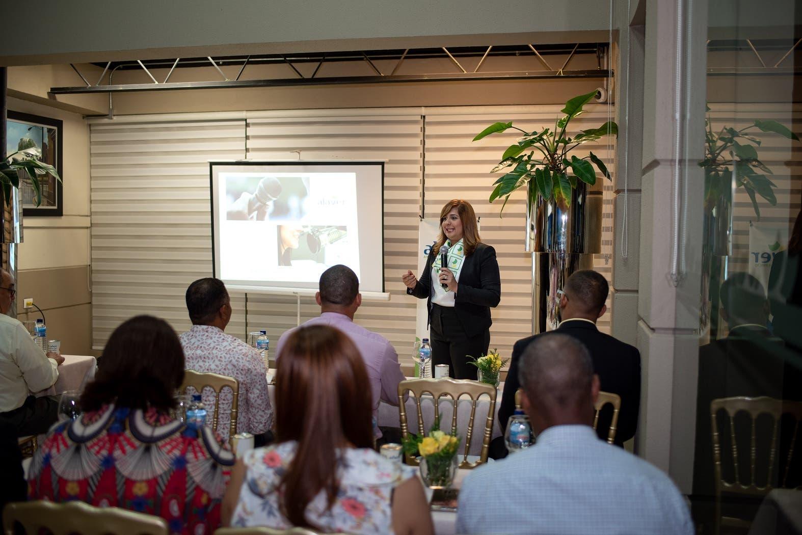 La actividad fue conducida por Irlonca Tavárez, Vicepresidenta de Negocios de ALAVER.