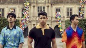 Jonas Brothers es un grupo estadounidense de música,  compuesto por tres hermanos: Kevin Jonas, Joe Jonas y Nick Jonas, originarios de Wyckoff, Nueva Jersey.
