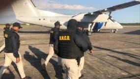 Dennis John Grubbs es acusado de conspiración y posesión de cocaína con la intención de distribuirla en el Estado de la Florida.