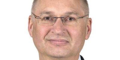 El diputado Darij Krajcic se disculpó ante las empleadas y  acabó pagando el bocadillo, pero debido al escándalo y el debate creado, especialmente en las redes sociales, decidió presentar su dimisión.