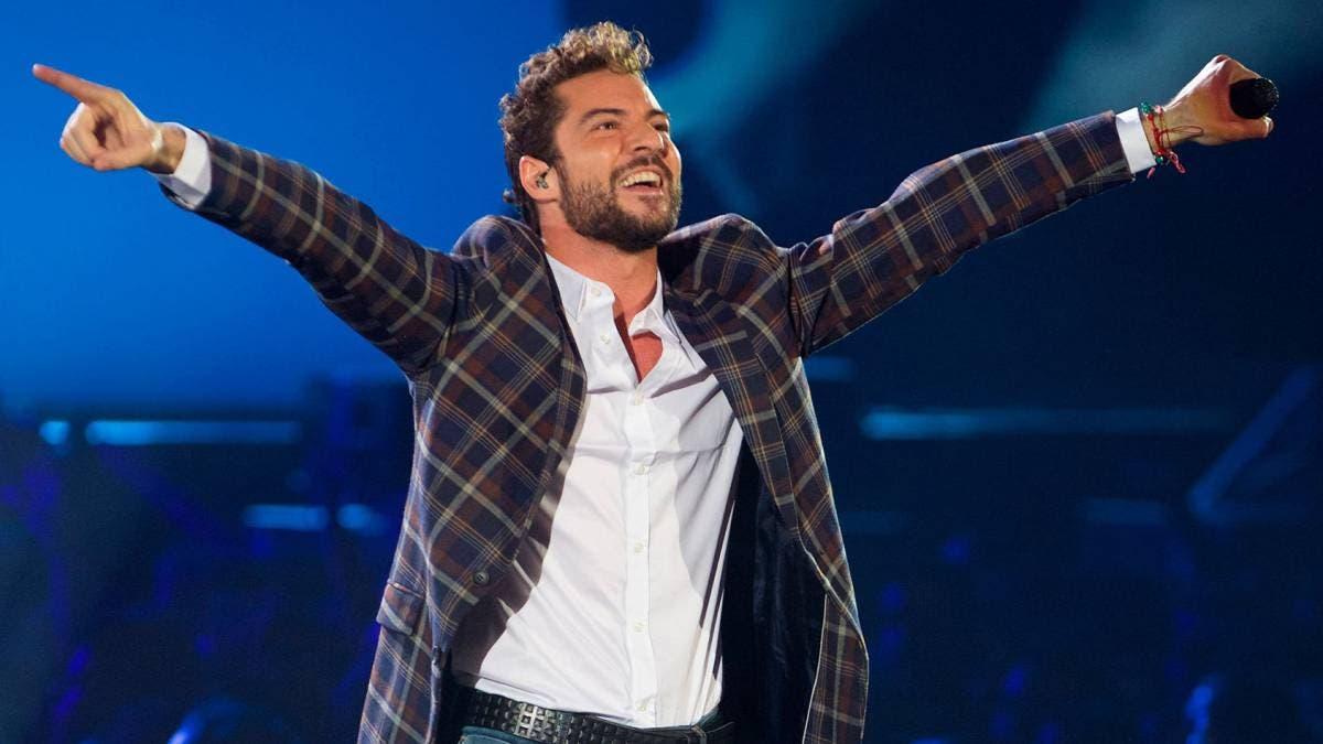 David Bisbal se entrega al público puertorriqueño en concierto