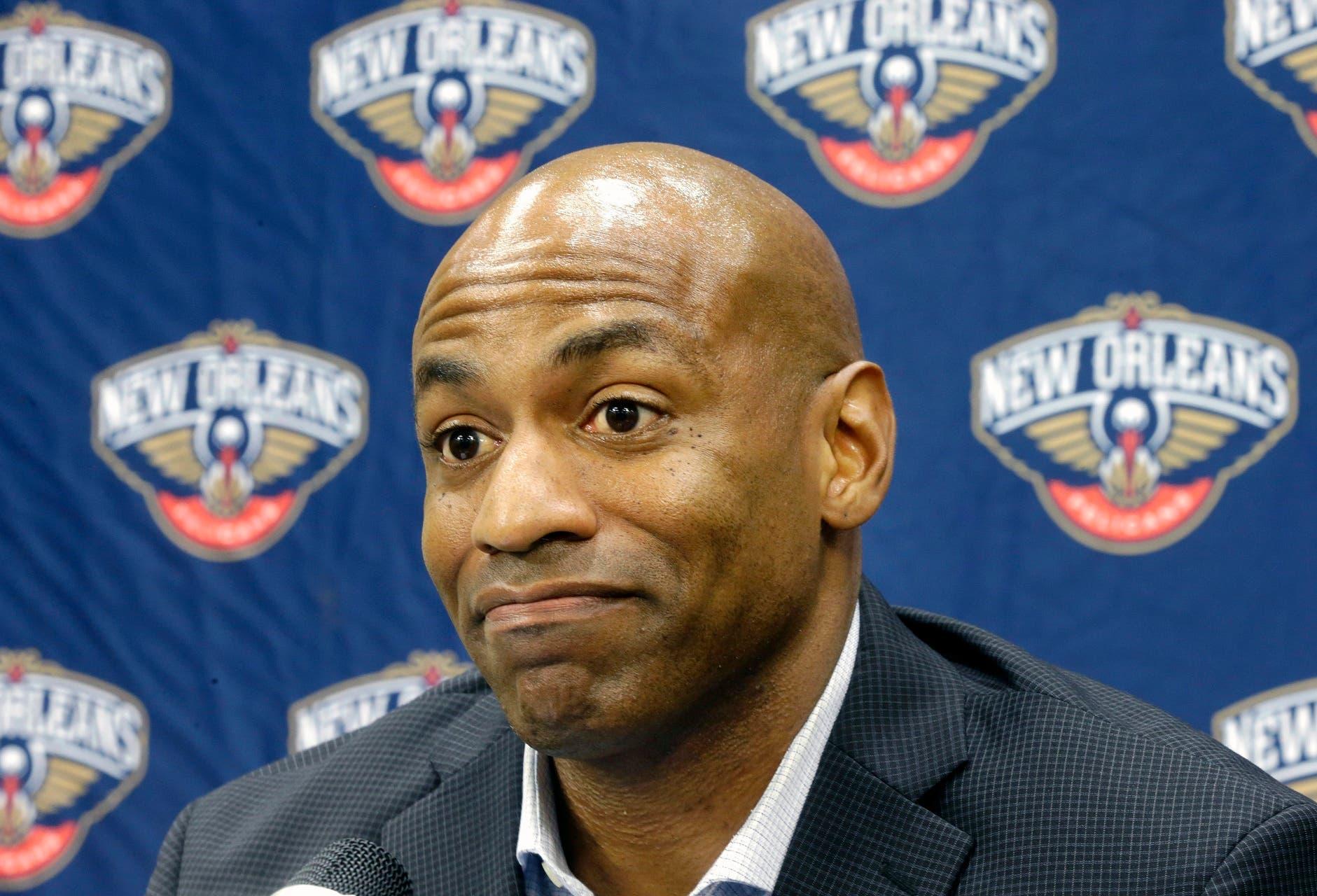 Los Pelicans despidieron al gerente general Dell Demps.