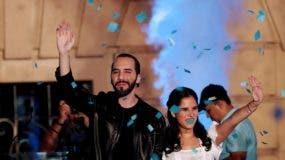 Bukele, con una acentuada ambición política, fue expulsado del FMLN, pero su insistencia le permitió hacerse un hueco en GANA, partido completamente opuesto al que lo llevó a ser alcalde, primero de Nuevo Cuscatlán (2012-2015) y posteriormente de San Salvador (2015-2018).
