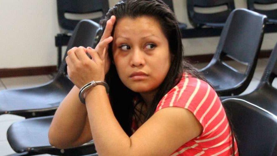 Evelyn Hernández fue enviada a prisión por un aborto.