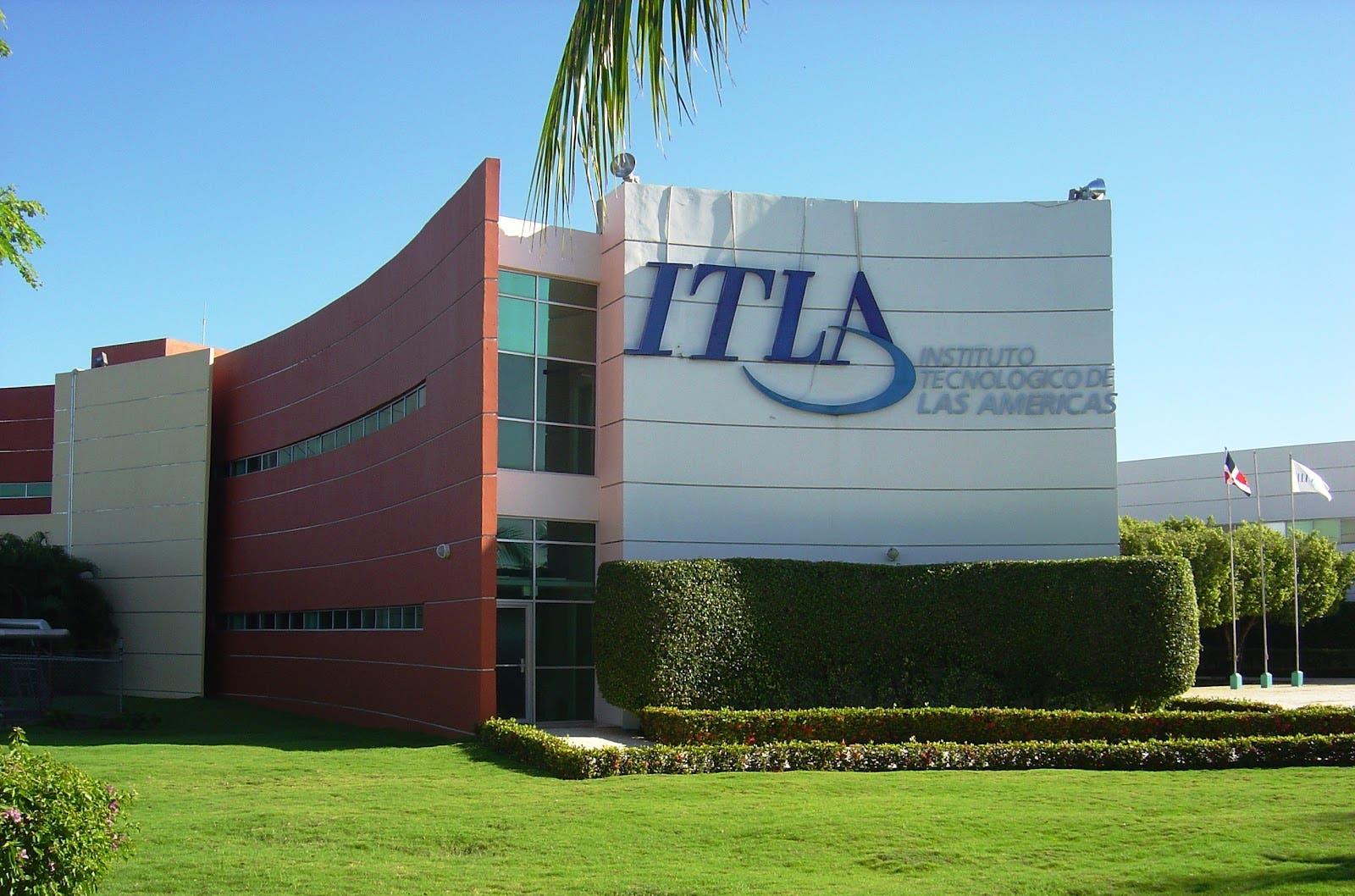 ITLA anunció que el Consejo Nacional de Educación Superior Ciencia y Tecnología, CONESCYT, aprobó la reforma curricular de sus carreras de Redes de Información, Desarrollo de Software, Mecatrónica, Multimedia y Manufactura Automatizada.