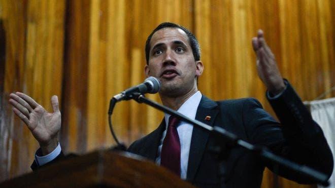 Gobierno venezolano debate retirar inmunidad a Guaidó