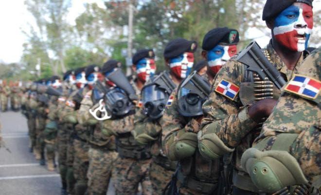 El programa Cerco Fronterizo ha impedido la entrada de 24 mil indocumentados, contrabandos de mercancías y se mantiene en alerta ante la situación que se vive en el vecino país de Haití, según el jefe del Ejército. Foto: fuente externa.