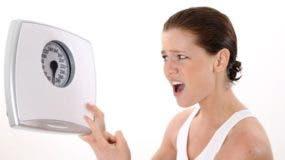 No perder el peso que deseamos cuando estamos a dieta puede resultar frustrante pero, ¿sabes que tu cuerpo no te ayuda?