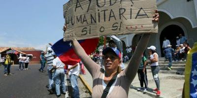 as donaciones que vienen de Estados Unidos y otros naciones se encuentran en puntos de acopio en países vecinos de Venezuela como Colombia, Brasil y la isla de Curazao.