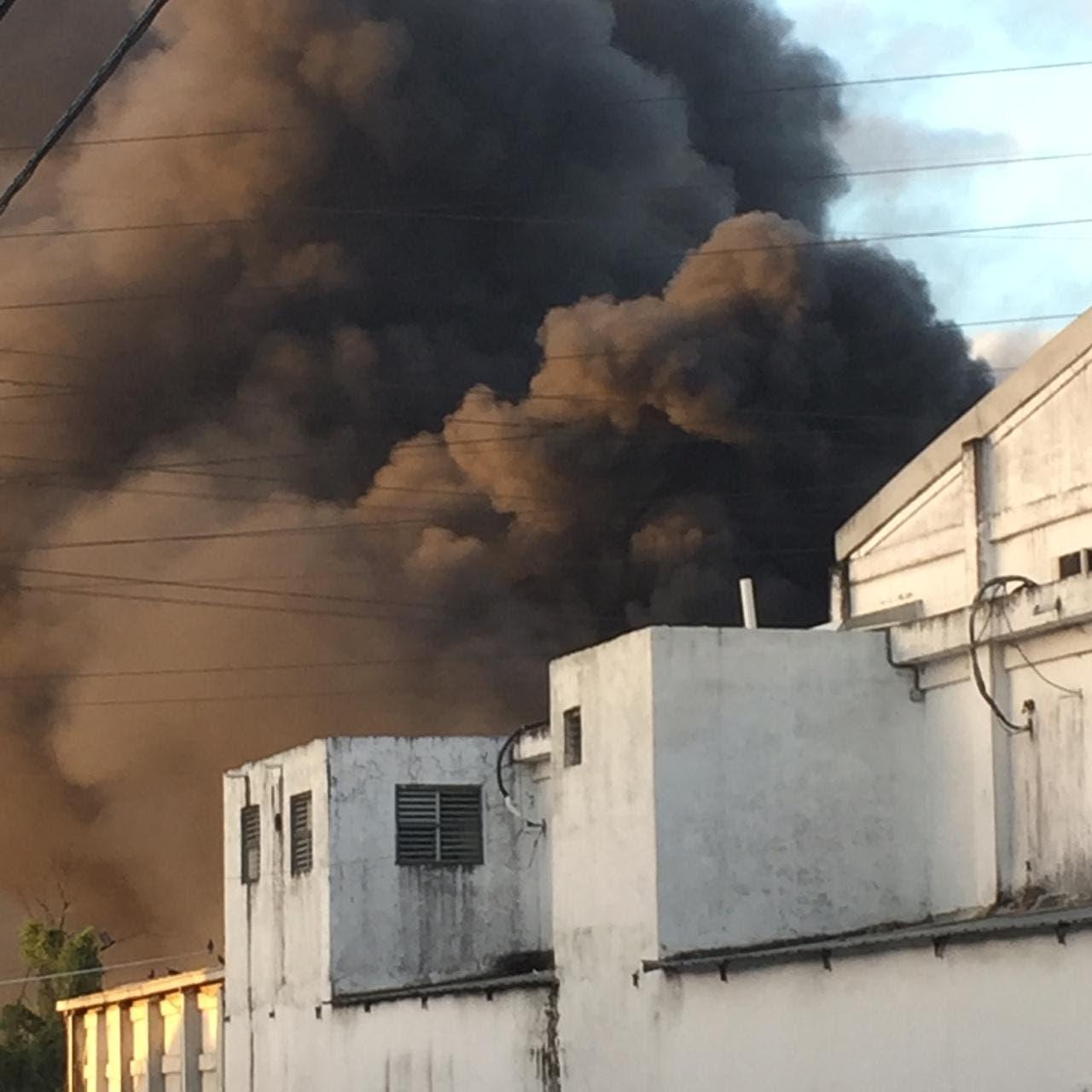 Celso Marranzini atribuye dimensión del incendio fábrica de plástico Flexopack a falta de agua en la zona