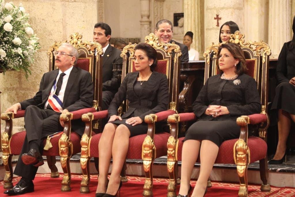 15. El presidente Danilo Medina asistió al Te Deum junto a la primera dama Cándida Montilla y la vicepresidenta Margarita Cedeño.