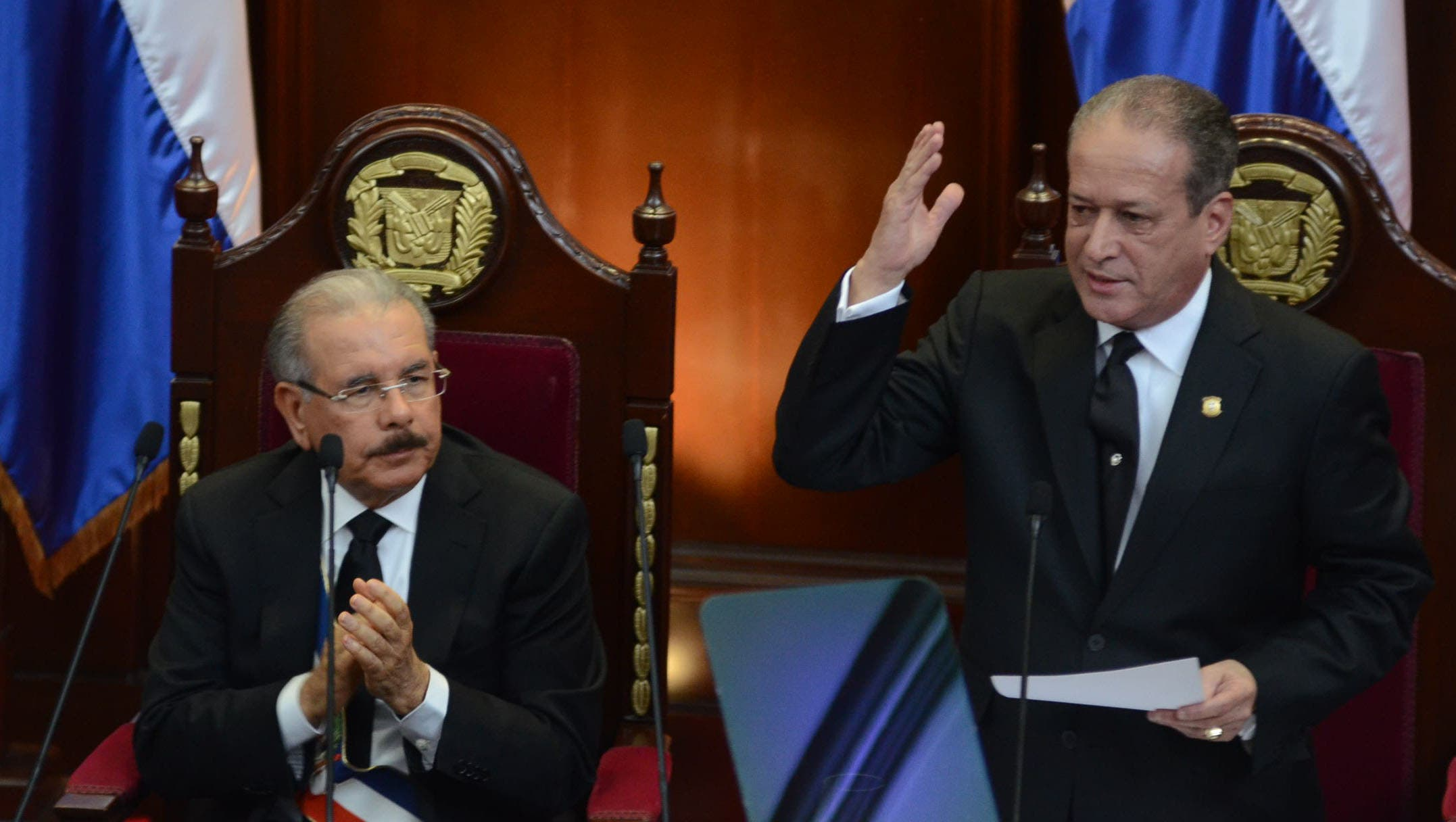 9. El presidente del Senado, Reinaldo Pared Pérez,  pronuncia su discurso en la Reunión Conjunta de las Cámaras Congresuales. Foto José de León.