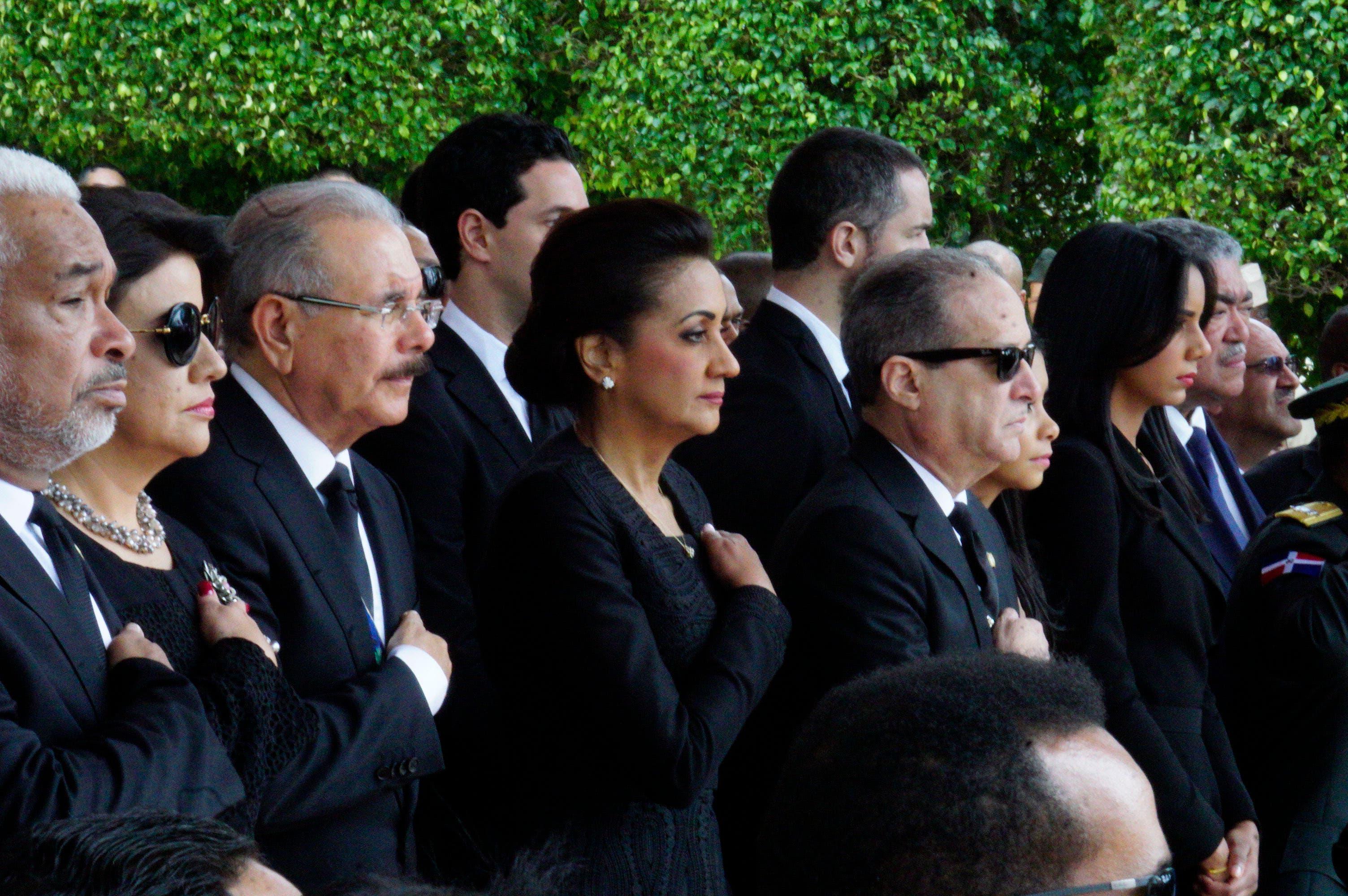 2. Momento en que fueron entonadas las notas del Himno Nacional. Foto: Elieser Tapia.