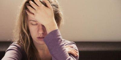 El dolor de cabeza puede desaparecer con un analgésico u obligarnos a quedarnos a oscuras en la cama si se trata de una migraña.
