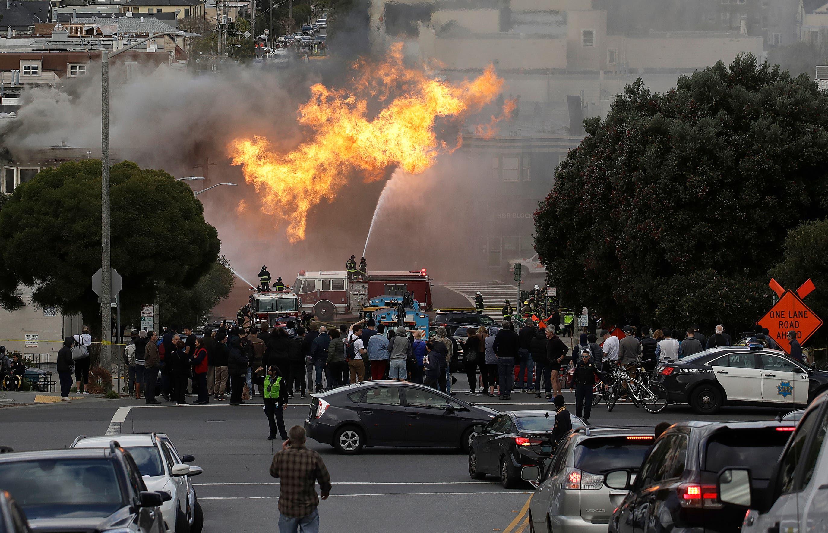 Cinco edificios se incendian tras explosión de una tubería de gas en San Francisco