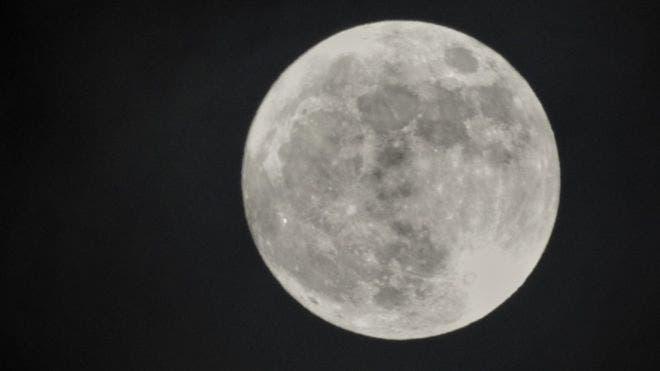 """La """"Luna de nieve"""" que veremos este martes es la segunda superluna del año. Hubo una el 21 de enero y la última ocurrirá el 21 de marzo."""