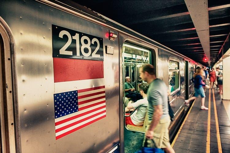 Nueva York subirá a partir de abril las tarifas del metro y el autobús