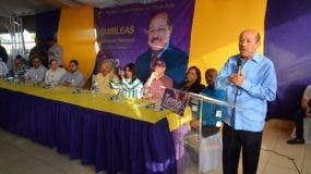 Temístocles Montás habló ante  activistas y coordinadores de su proyecto político.
