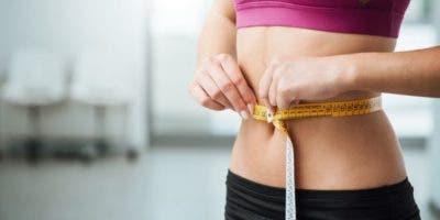 La explicación de por qué a unas personas les cuesta más bajar de peso que a otras podría estar en las bacterias que tienen en la flora intestinal.