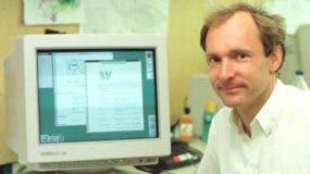 El físico Tim Berners-Lee inventó la World Wide Web como una herramienta útil para científicos en 1989.