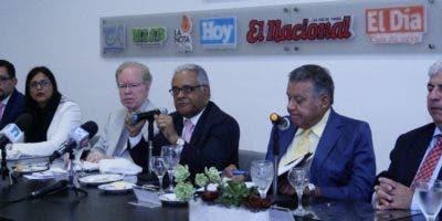 Funcionarios del Ministerio de Salud durante su participación en el Almuerzo Semanal del Grupo de Comunicaciones Corripio.  Elieser Tapia