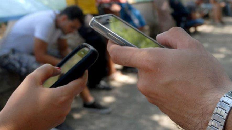 La telefonía móvil ha incrementado el consumo  de datos.