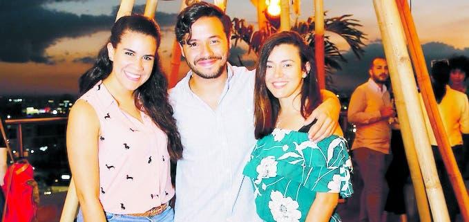Cristina Rodríguez, Ariel Contreras y Beatriz Rodríguez.