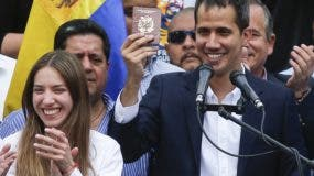 Juan Guaidó entró a Venezuela con protección diplomática.