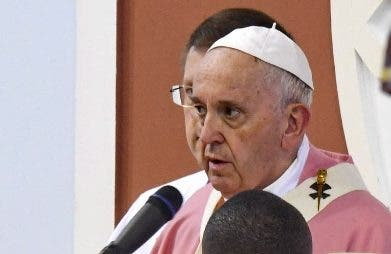 El papa celebró gran misa.