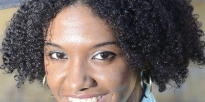 Kenia del Orbe, primera dominicana en obtenerlo.
