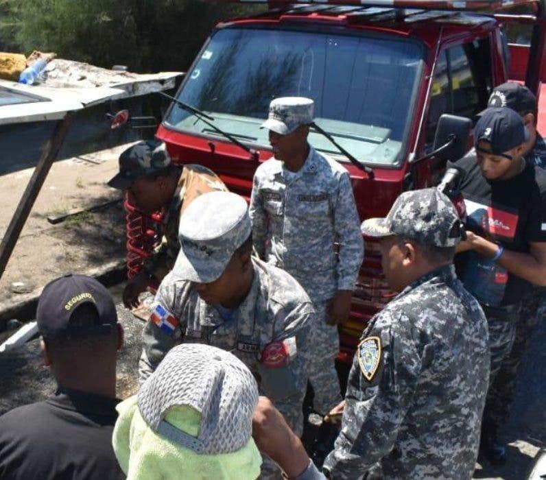Operativos contra lavaderos de vehículos en la Capital.