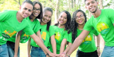 Existe un voluntariado y mimos ¡Pienso en verde; también  estudiantes toman materias optativas medioambientales.