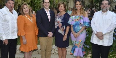 Chris Campbell, Jacqueline Herrera, Thomas Pichardo, Sharon Campbell, Francesca Ortiz y Guillermo Álvarez.