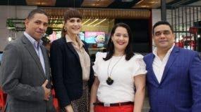 Mario Soriano, Laura Pérez, Karina Pérez y Charlie García.